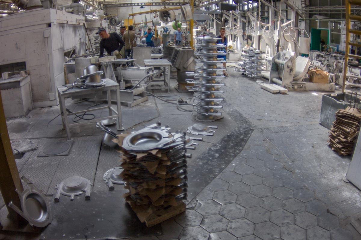 На заводе Kukmara. Репортаж с производства знаменитой посуды из Татарстана © Техномод