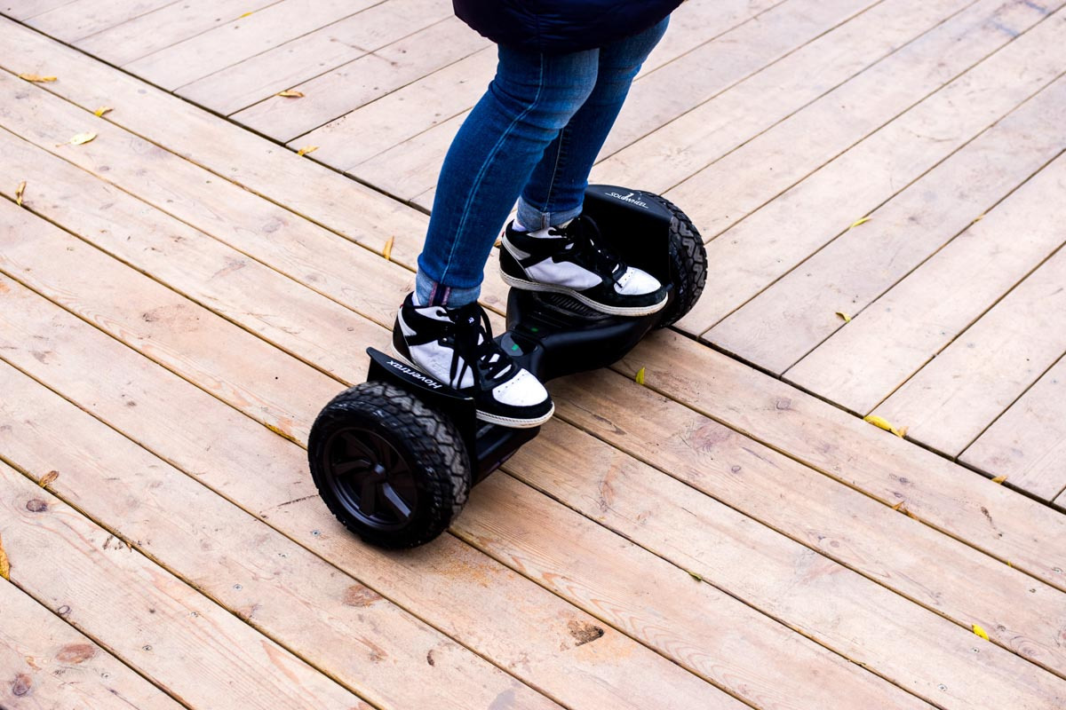 Тест мощного гироскутера Solowheel Hovertrax C3 © Техномод