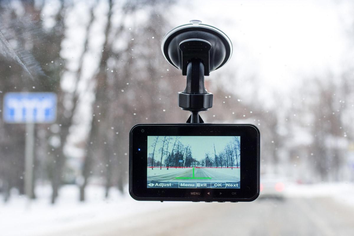 Обзор видеорегистратора Axper Throne: недорогое устройство с двумя камерами и GPS © Техномод