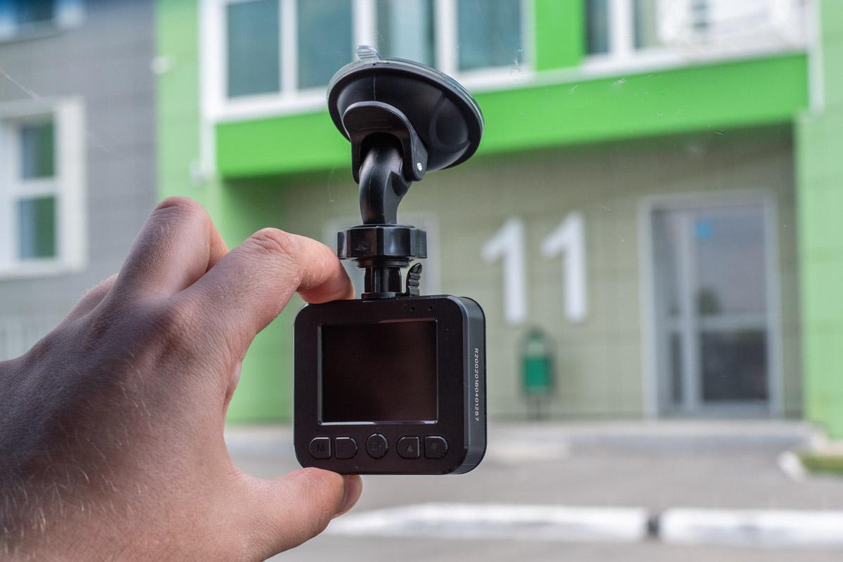 Видеорегистратор Navitel R200: для тех кто ищет простое и недорогое устройство © Техномод