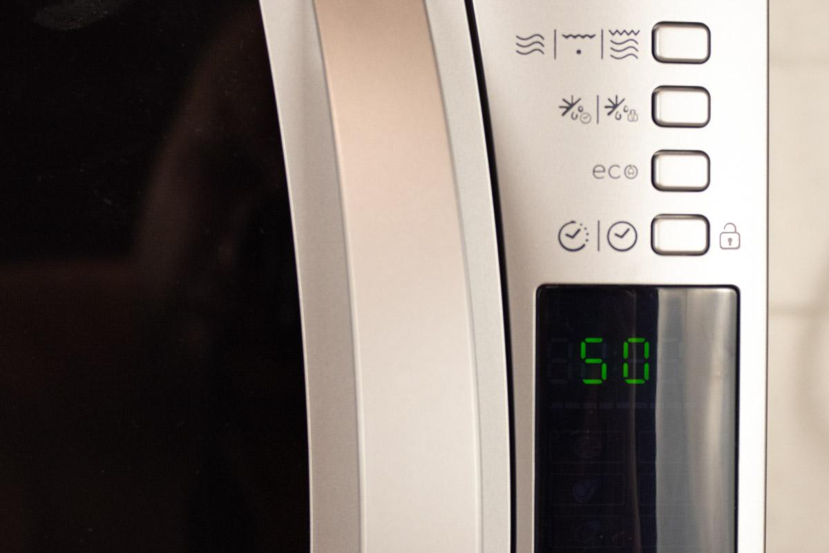 Обзор микроволной печи с функцией гриля Candy CMXW22DS © Техномод