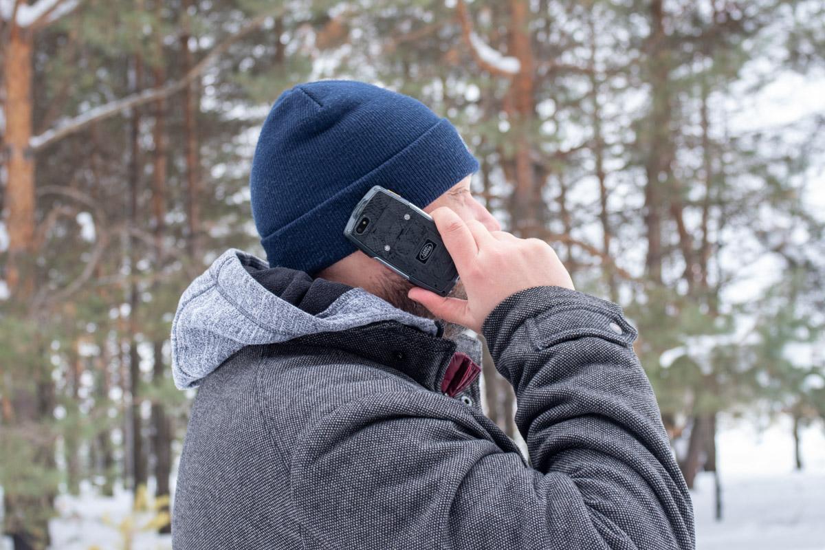 Обзор и кращ-тест защищенного мини-смартфона Land Rover M22 © Техномод