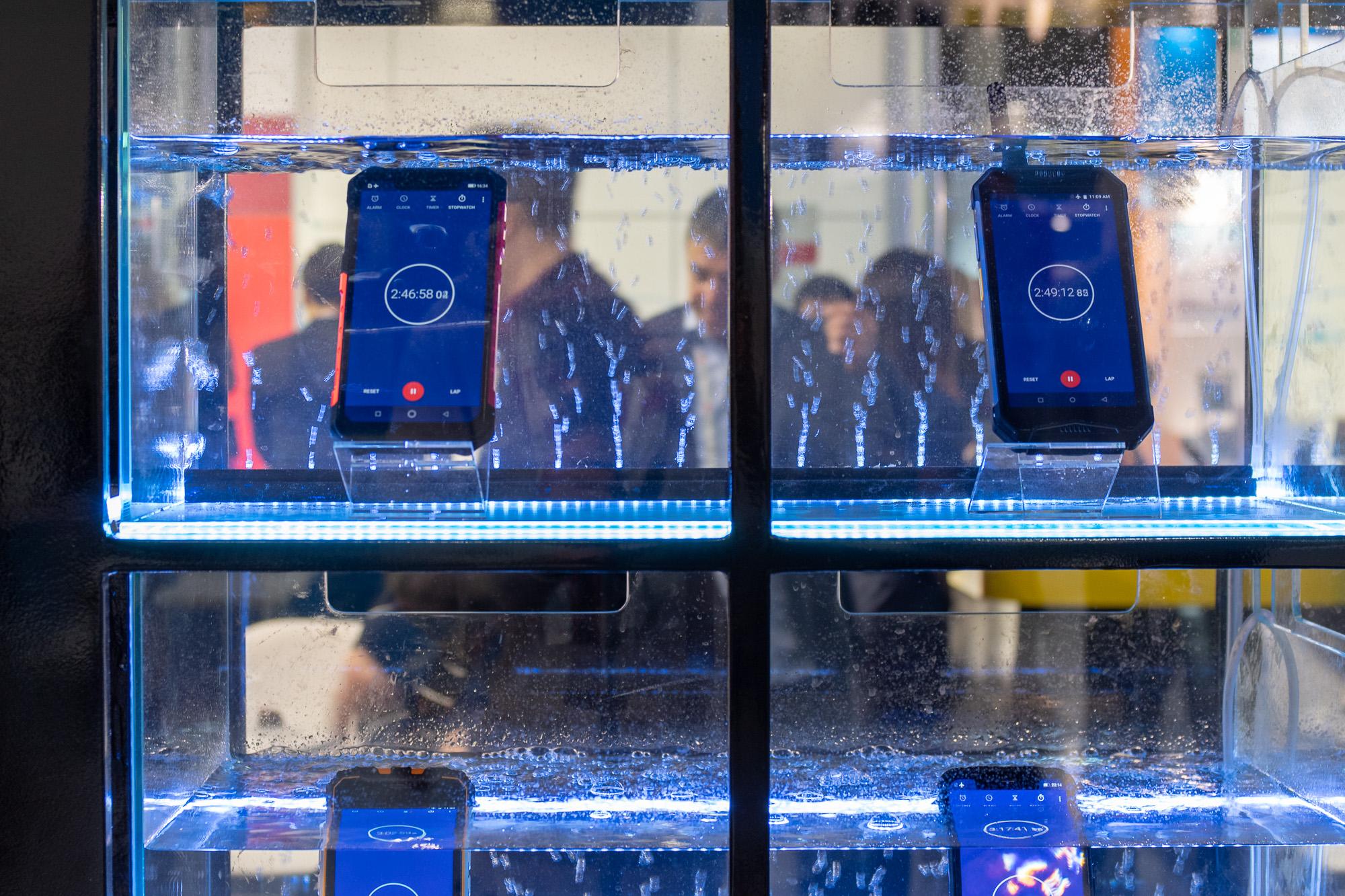 Тренды MWC 2019: защищенные смартфоны, true wireless наушники, smart-браслеты, 5G не для людей и Samsung который не впечатлил © Техномод