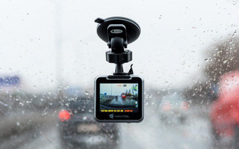 Обзор доступного автомобильного видеорегистратора Navitel MSR200 © Техномод