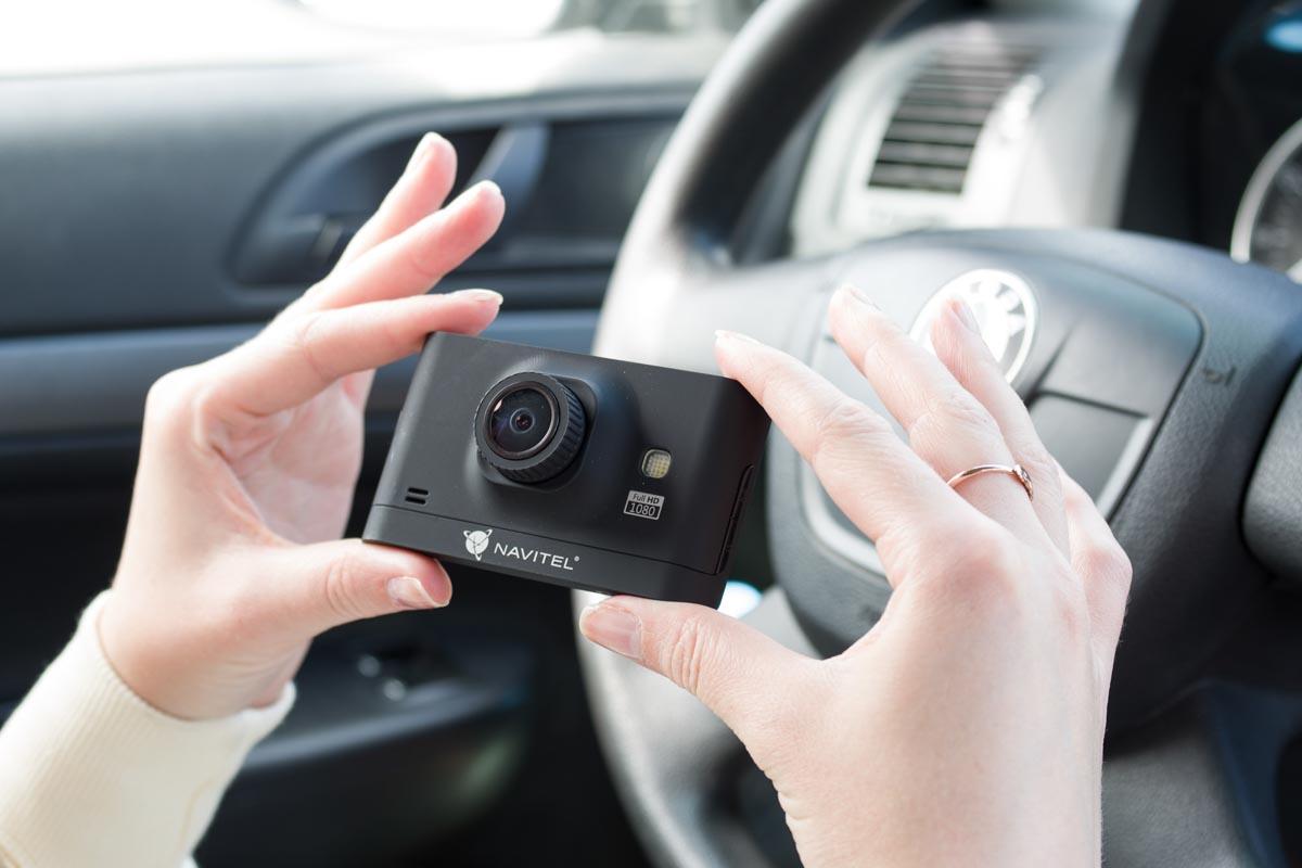 Видеорегистратор Navitel R400. Функциональный прибор по доступной цене © Техномод
