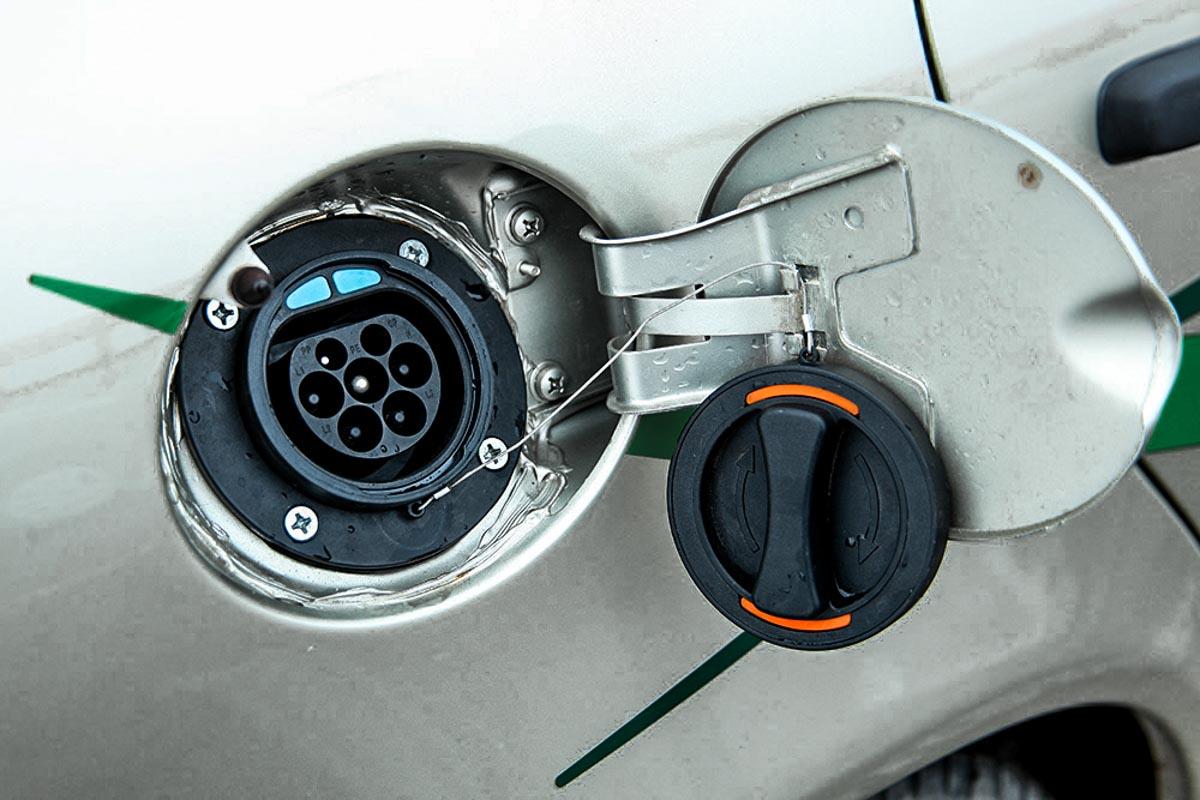Первый серийный российский электромобиль LADA Ellada © Техномод