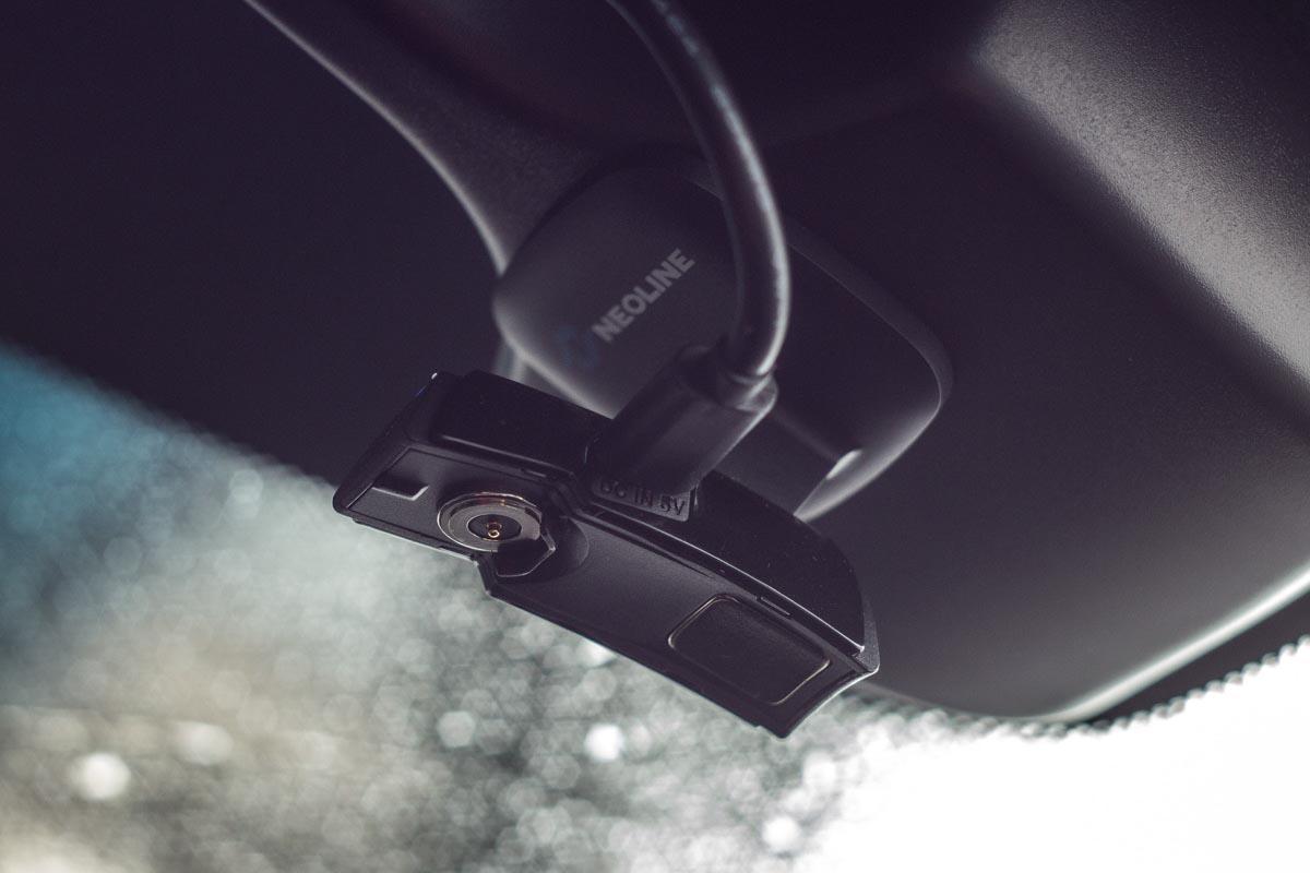 Изучаем автомобильный видеорегистратора Neoline EVO Z1 © Техномод