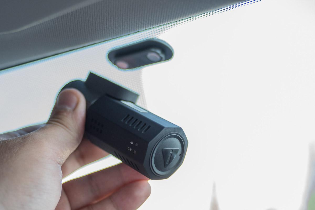 Обзор миниатюрного автомобильного видеорегистратора Axper Bullet с матрицей Sony © Техномод