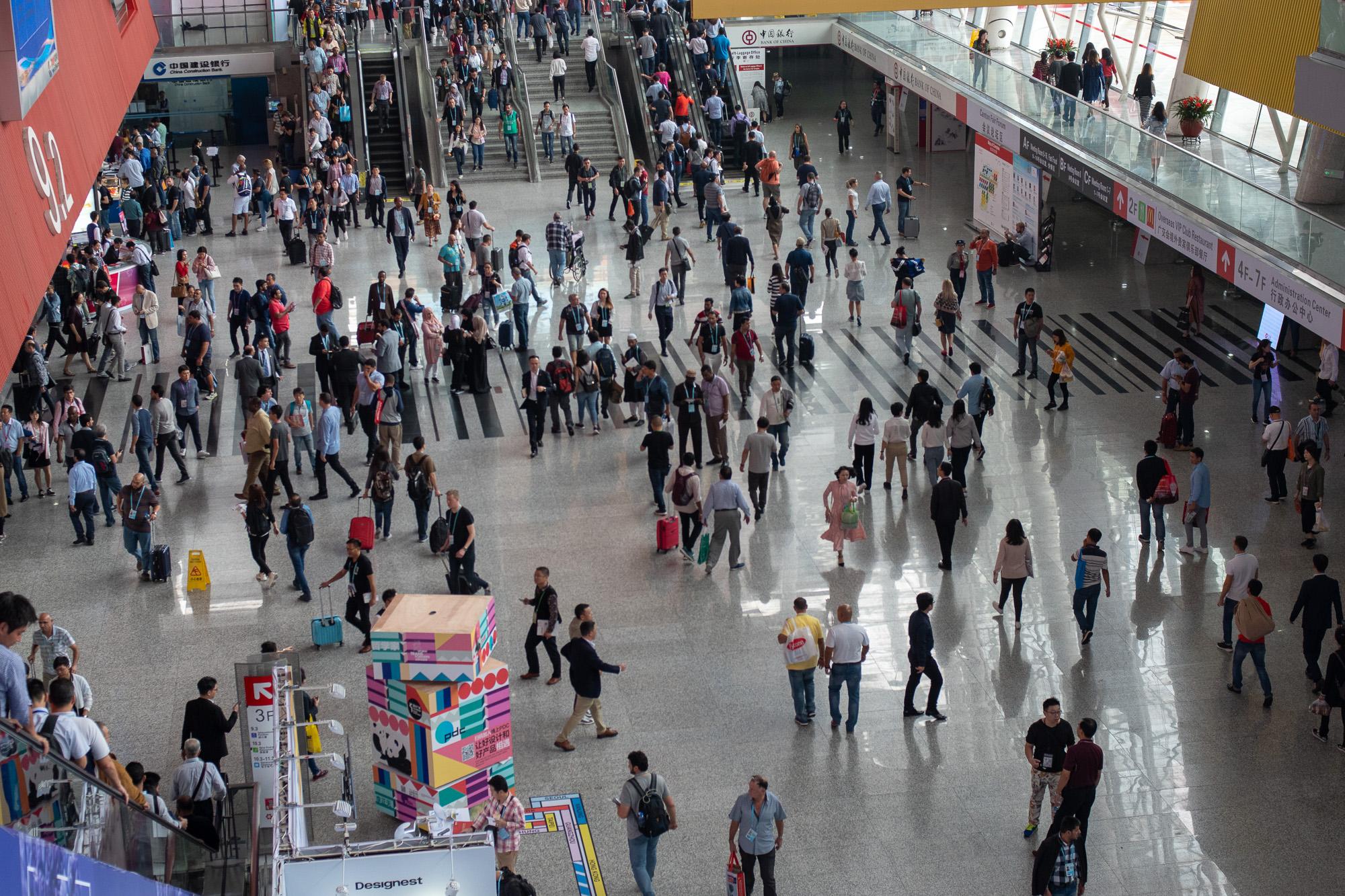 В Китае прошел первый этап всемирной выставки Canton Fair © Техника