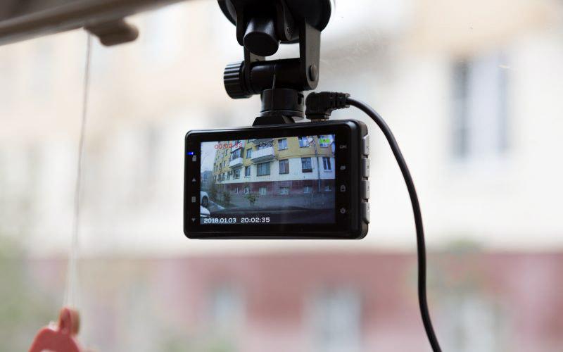 Обзор двухканального видеорегистратора PlayMe ZETA с честным Full HD © Техномод