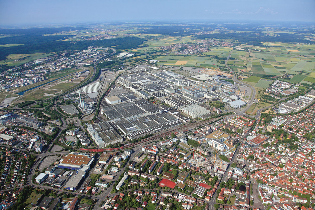 How to get to Mercedes-Benz plant in Stuttgart © Technomode