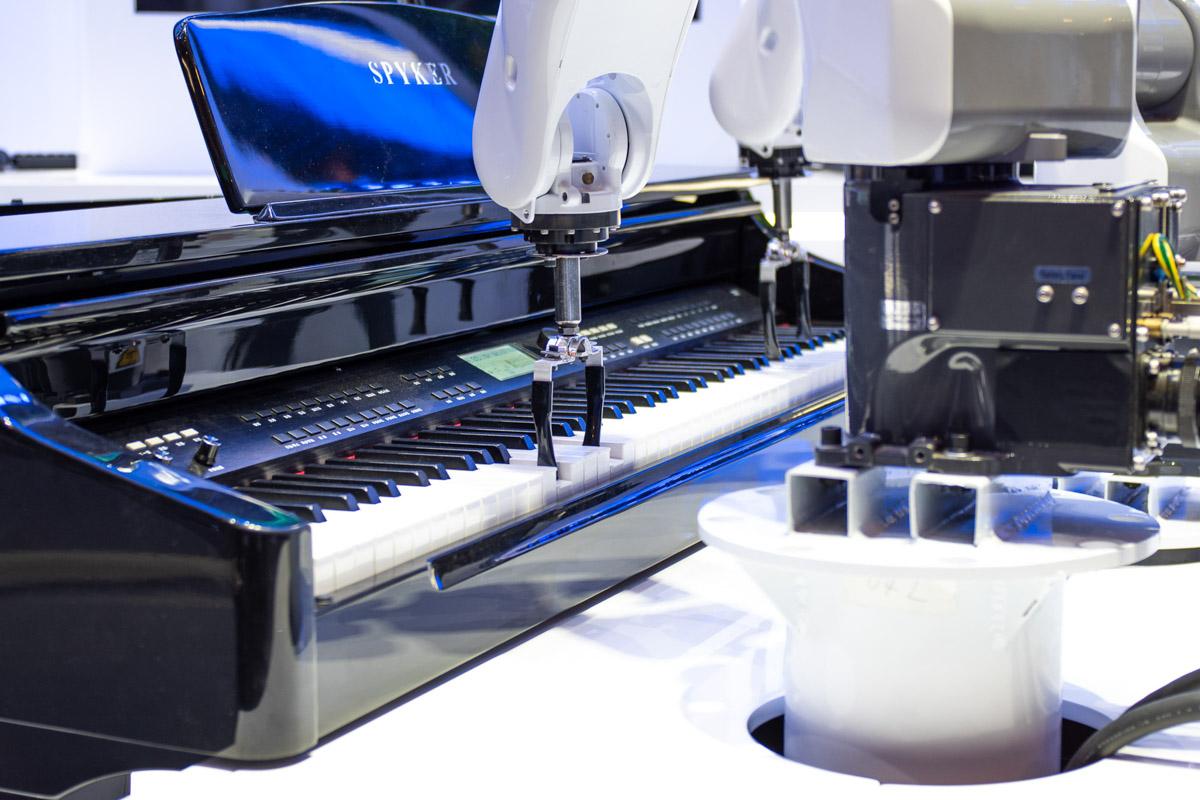 История цифровизации музыки: от магнитной записи до первого робота-композитора © Техномод