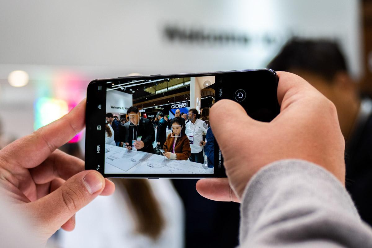 Xiaomi Mi 9 с камерой 48 Мп и беспроводные наушники AirDots © Техномод