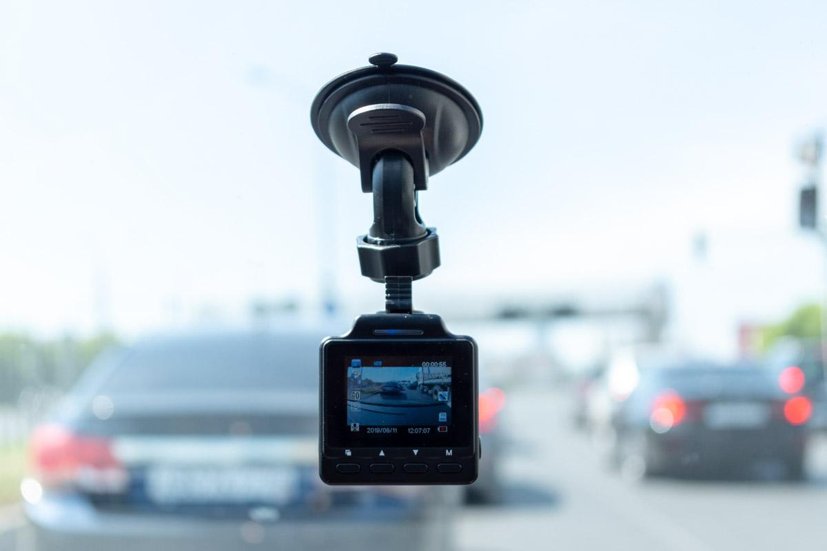Обзор компактного видеорегистратора INCAR VR-650 с Wi-Fi и GPS © Техномод