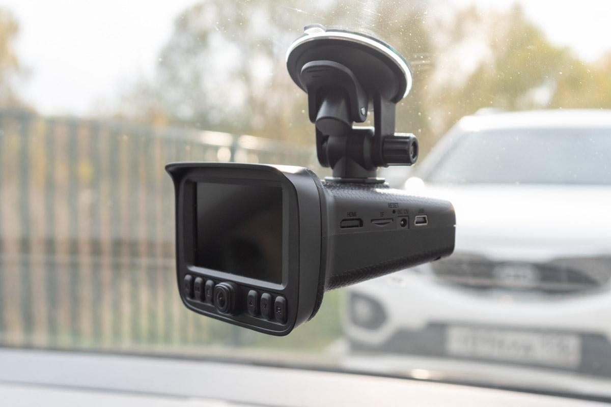 Комбо-устройство Stonelock FOGU: видеорегистратор с тремя камерами, радар-детектор и GPS-информатор © Техномод