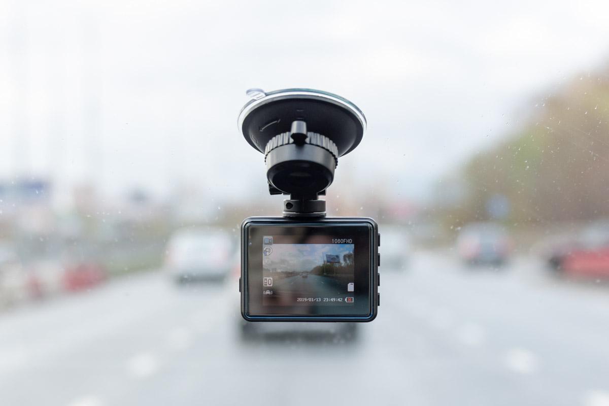 Обзор доступного автомобильного видеорегистратора INCAR VR-418 © Техномод