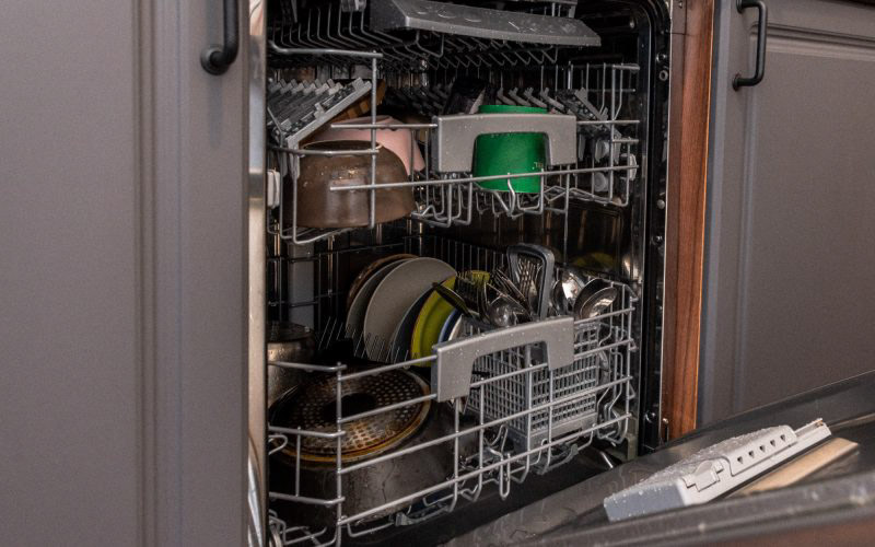 Обзор встраиваемой посудомоечной машины Candy CDI 1DS63 © Техномод