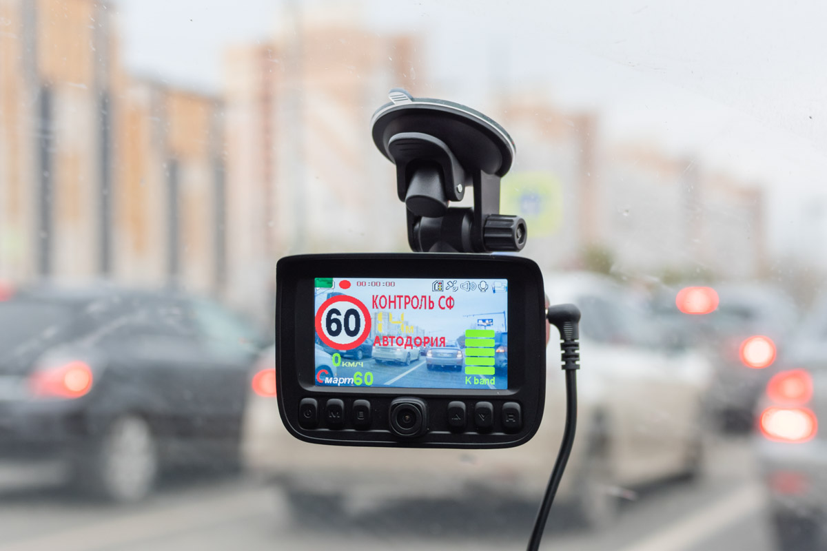 Обзор недорого комбо-устройства Stonelock Etna с дополнительной салонной камерой © Техномод