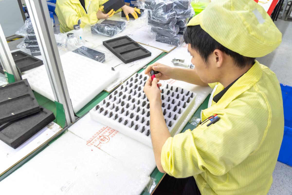 Репортаж с китайской фабрики смартфонов Oukitel в Шэньчжэне © Техномод