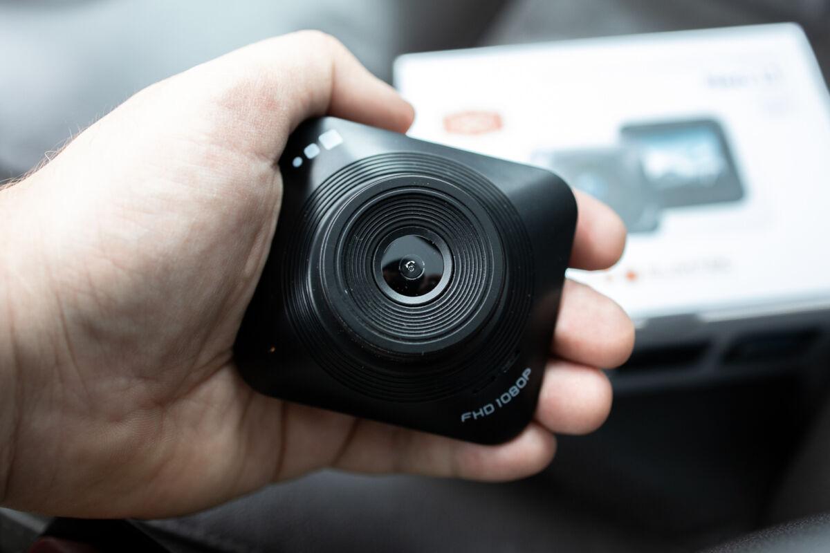 Обзор бюджетного видеорегистратора Slimtec Neo L1 © Техномод