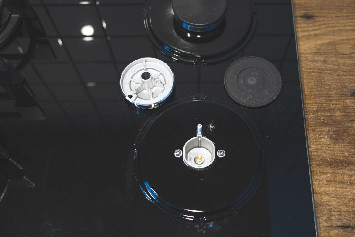 Варочная панель CANDY CVG6B — «газ на стекле» это красиво и практично © Техномод