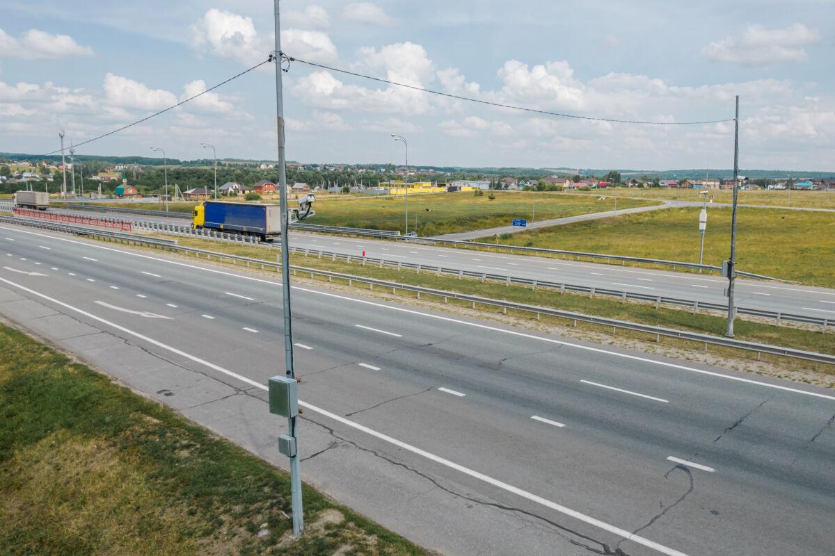 Стационарный комплекс «Автоураган» установленный на трассе М7 недалеко от Казани © Техномод