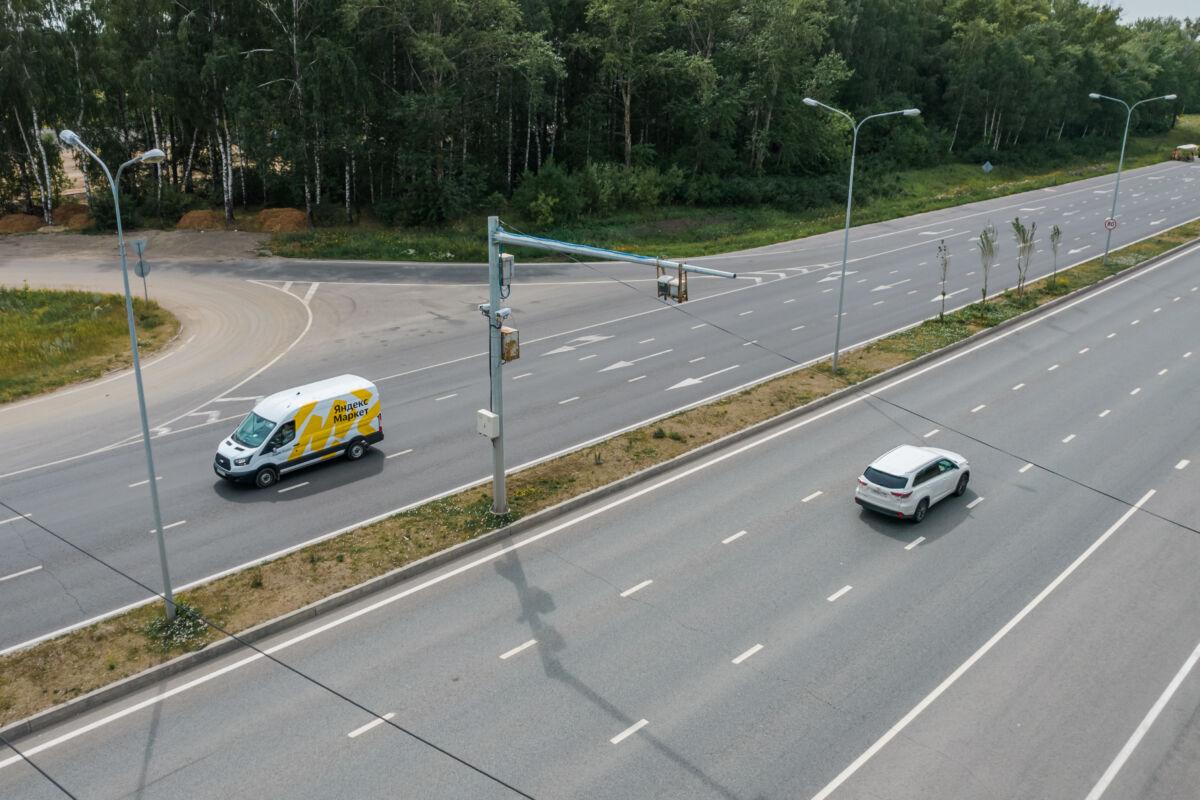 Камера «Стрелка» установленная на Мамадышском тракте на въезде в Казань © Техномод