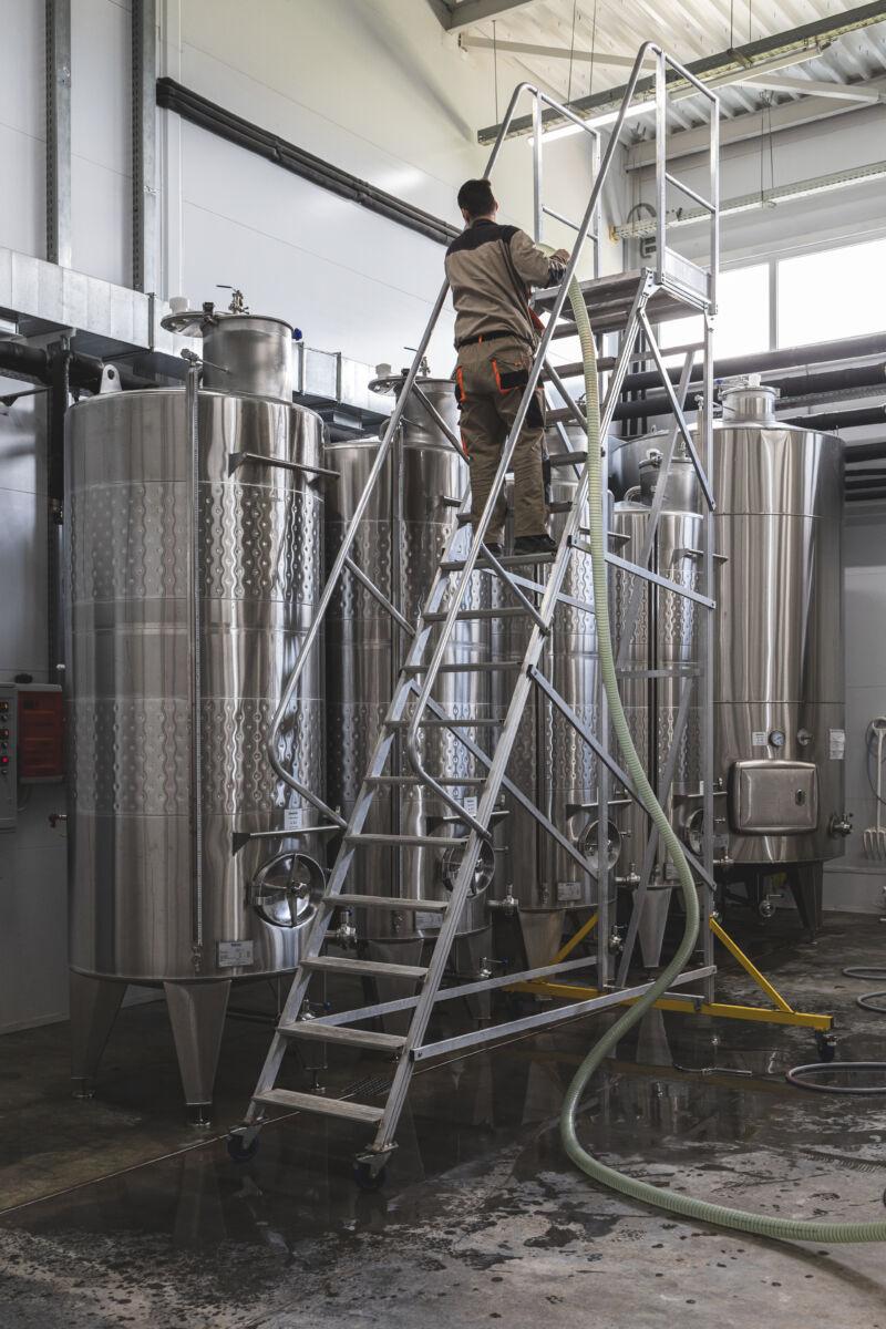 На производстве вина SORT © Техномод