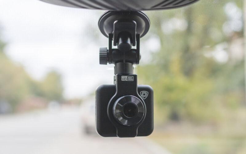 Prestigio RoadRunner 185. Обзор недорогого видеорегистратора с двумя креплениями © Техномод